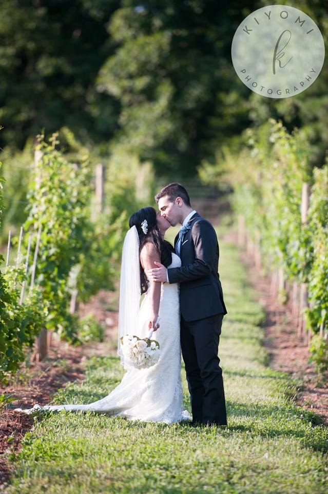 vineyard-couple